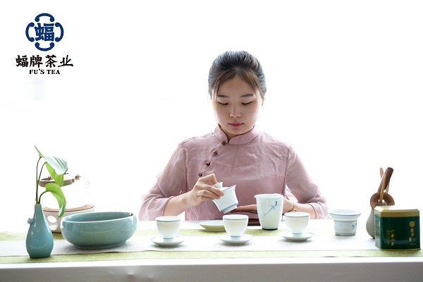 第五道:潤茶 甘露潤蓮心